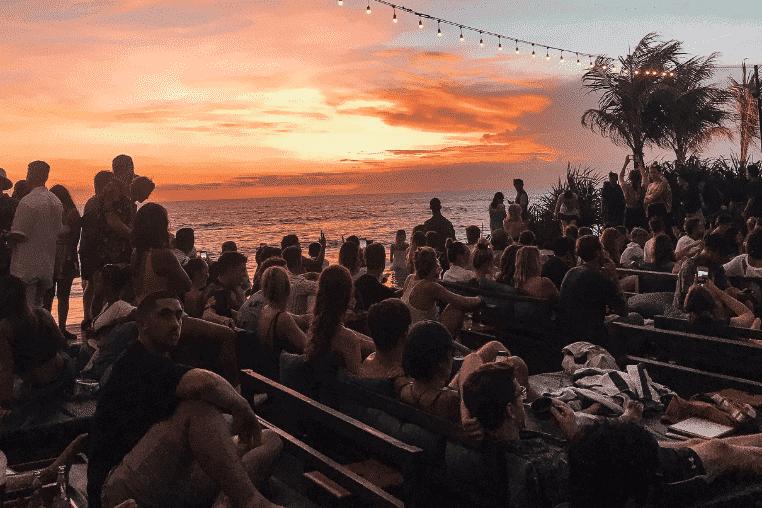 Bali, Canguu tourists