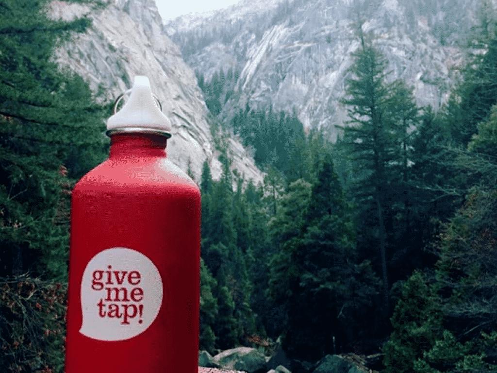 Reusable travel water bottles